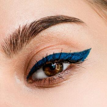 delineador-vegano-para-ojos-zermat-eleganzza-azul-profundo-98290-aplicacion