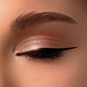 delineador-vegano-para-ojos-zermat-eleganzza-chocolate-98293-aplicaicion
